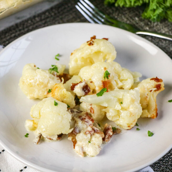 Low Carb Cauliflower Alfredo Casserole-5