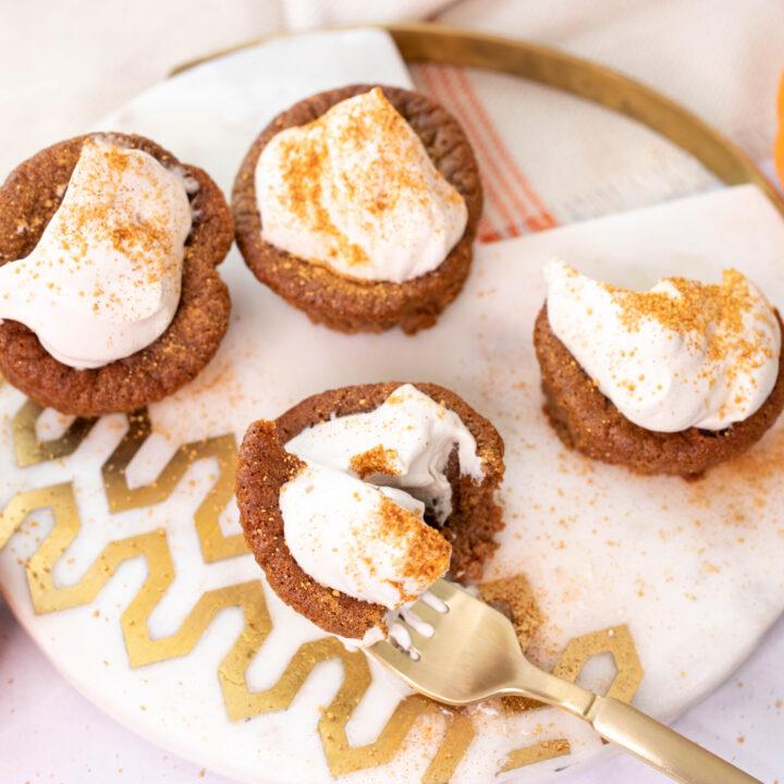 3 eggs 1 cup heavy cream 1 ½ cup pumpkin puree 3 tablespoons pumpkin pie spice 1/8 teaspoon salt ½ cup Swerve confectionary sugar